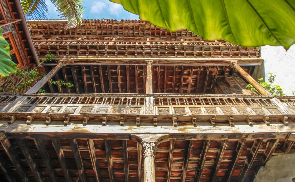 Casa-balcones (1) (Medium)