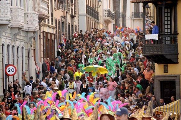 """La Concejalía de Fiestas del Ayuntamiento de La Orotava indica que el tema central será """"El Poder del Color y la Alegría del Carnaval"""" y el premio al ganador asciende a 400 euros"""