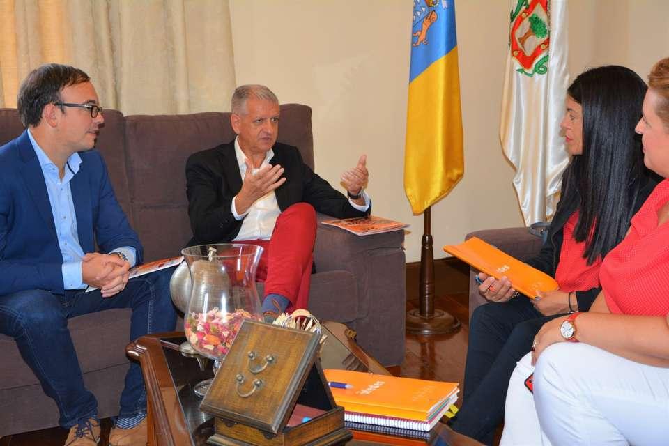El Ayuntamiento villero aboga por acciones que impulsen el empleo en el municipio