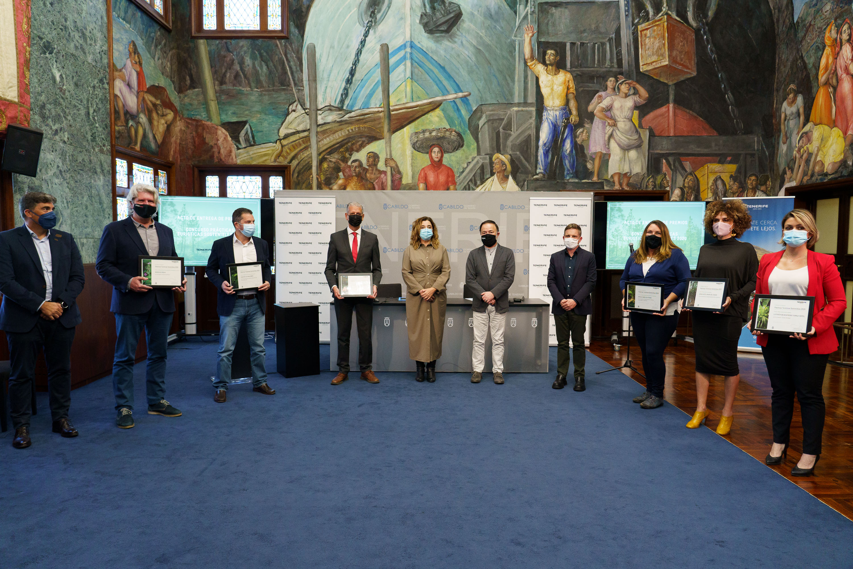 El alcalde Francisco Linares y la concejala de Turismo y Museos, Delia Escobar, participaron en el acto de entrega de premios. Linares subrayó el trabajo que La Orotava realiza siguiendo los valores de ciudad cittaslow, único municipio de Canarias con este sello internacional.