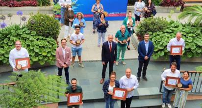 Amor al Arte, Amarca y Pepe Jeans, ganadores en el concurso de escaparates por las fiestas de La Orotava