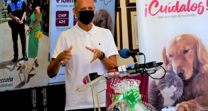 De septiembre a diciembre las clínicas veterinarias de la Villa colaborarán con la campaña de vacunación e identificación. Los usuarios recibirán regalos y participarán en un sorteo La institución local quiere evitar también el abandono de animales