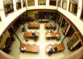 Imagen del interior de la biblioteca municipal