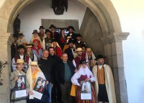 El Cabildo edita un almanaque para difundir la vestimenta tradicional