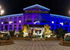 La fachada del Ayuntamiento  luce espectacular con la nueva iluminación nocturna