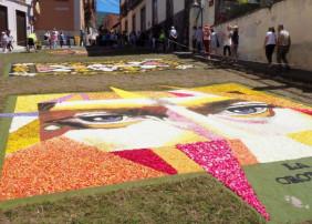 El arte efímero inunda las calles del casco histórico. Foto Sergio Méndez