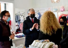 El Ayuntamiento destinará 250.000 euros en ayudas para que los negocios de la Villa dispongan de liquidez económica y continúen su actividad