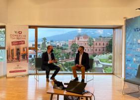 Los concejales Delia Escobar y Felipe David Benítez , responsables de las áreas de Turismo y Comercio fueron los encargados de inaugurar el encuentro online