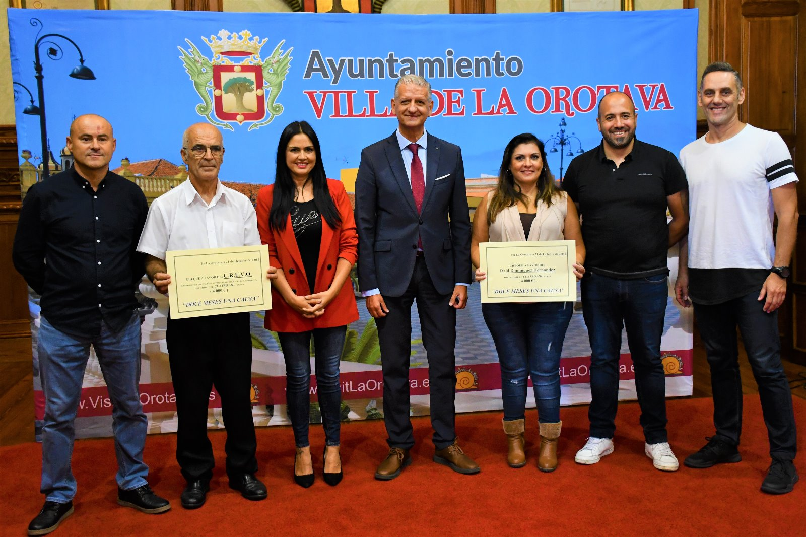 Docemesesunacausa recaudó 8.000 euros y los reparte entre Crevo y el joven Raúl Domínguez