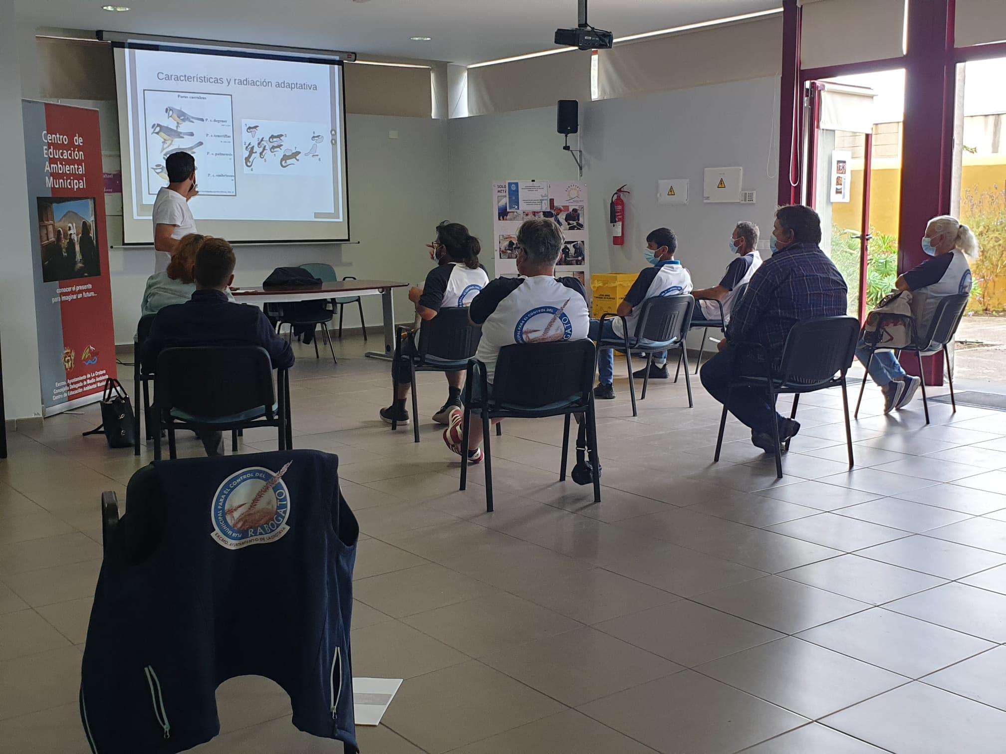 Las jornadas formativas, que se celebraron el pasado 14 y 15 de abril, estuvieron dirigidos a los empleados y empleadas de los servicios de limpieza del Ayuntamiento de La Orotava