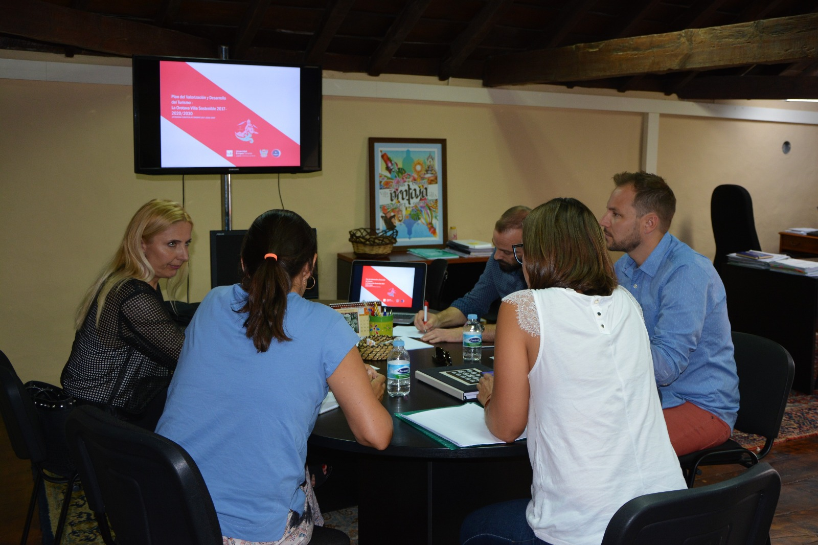 Ayuntamiento, Turismo de Tenerife y las universidades continúan trabajando en el Plan Estratégico Turístico Municipal que aboga por un turismo sostenible