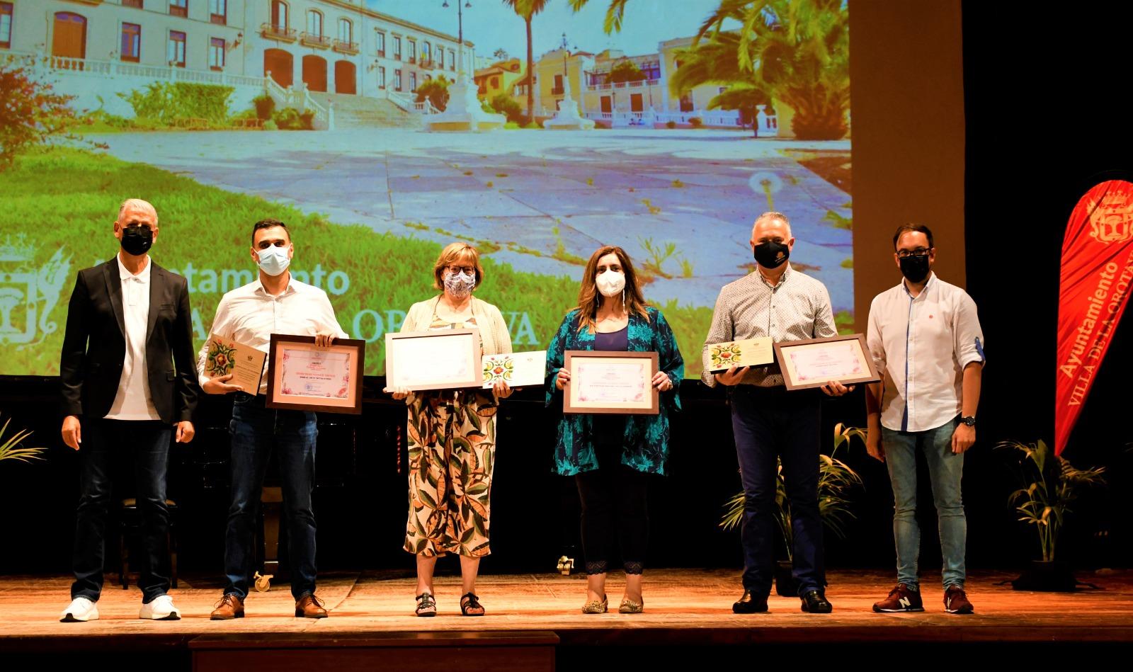 Calzados Afonso y Pianoforte, ganadores en el concurso de escaparates y fachadas por las fiestas de La Orotava