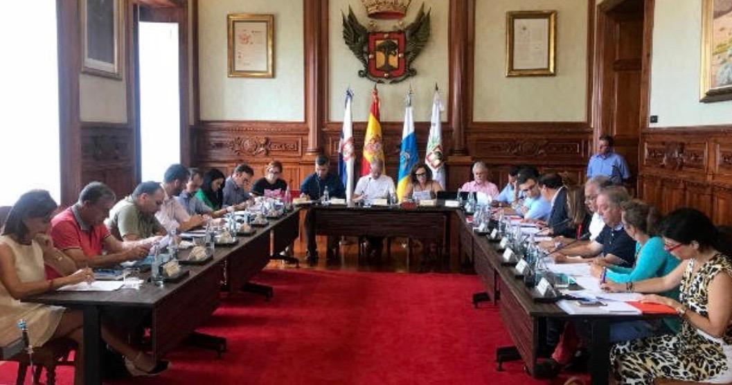 El Pleno de La Orotava aprueba una propuesta para mejorar la situación de los autónomos