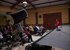 'Enciende una estrella' acerca el universo a los vecinos de la Villa