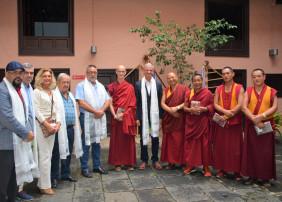 El Museo de las Alfombras acoge la confección de un mandala tibetano