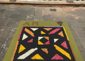 Diferentes enclaves, en el casco histórico de la Villa, contarán con alfombras de flores que podrán ser visitadas entre el 15 y el 27 de mayo